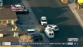 Police surround North Las Vegas neighborhood - Video