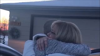 Christmas surprise for mom results in uncontrollable tears - Video
