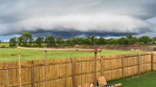 Amazing time-lapse of tornado forming in Arkansas