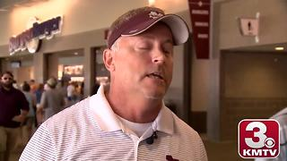 College World Series: Mississippi State super fan a hit online - Video