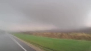 Possible tornado touches down in Jay County, Indiana - Video