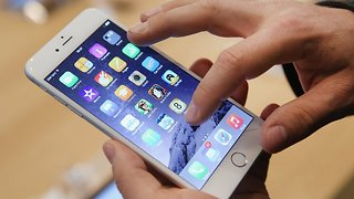 iPhones Will Soon Share Location Data With 911 Call Centers - Video