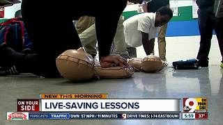 Ohio high school students learning CPR - Video