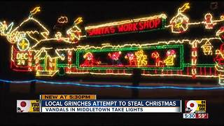 Grinch steals lights from Middletown Christmas display - Video