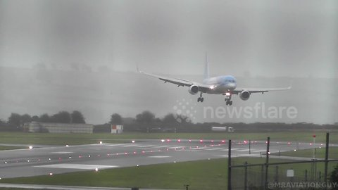 TUI pilot absolutely nails SIDEWAYS landing in 40-knot crosswinds at Bristol Airport