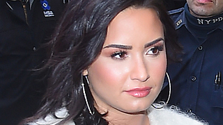Fans WORRIED As Demi Lovato RELAPSES!