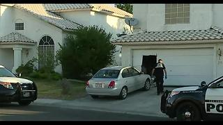 Barricade situation rattles neighborhood - Video