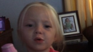 A Little Girl Sings About Taco Bell - Video