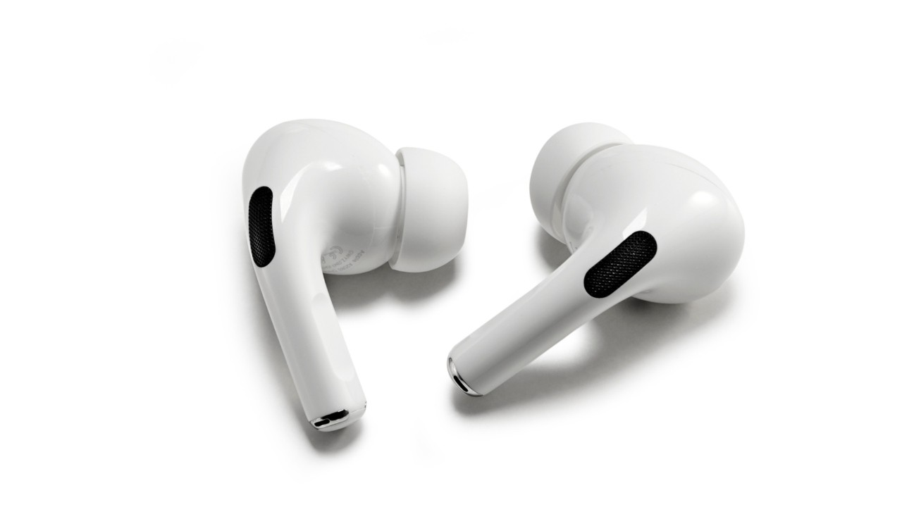 Apple's New AirPods— A Better Fit?