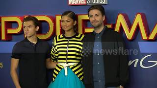 'Spiderman: Homecoming' stars pose for photocall - Video