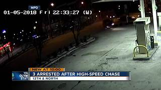 Two Milwaukee Police officers injured by light pole after high speed chase - Video