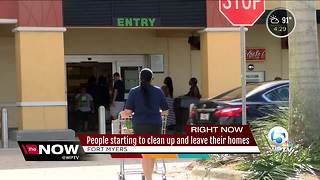 People starting to clean up and leave their homes in Fort Myers - Video