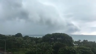 Ominous Clouds Loom Off Darwin Coast as Cyclone Bears Down - Video