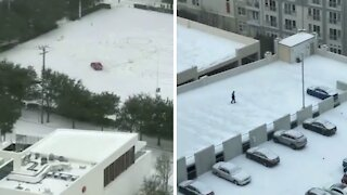 Texans hilarious make the most of freak snowstorm