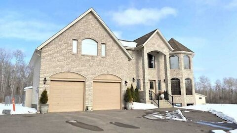 This Massive Ontario Home For Sale Is Under $700K & Looks Like A Modern Castle (PHOTOS)