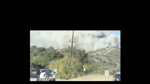 Residents Flee Malibu as Woolsey Fire Closes In
