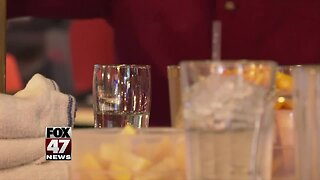 Bars prepare for busy night before Thanksgiving