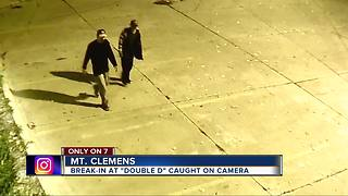 Drunk thieves caught on video stealing liquor and beer from metro Detroit bar - Video