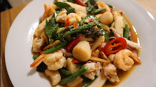 How to make Thai spicy stir-fry seafood