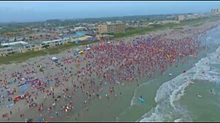 Christmas surf festival brings thousands to Florida