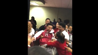 Students React Euphorically to 16-Year-Old Classmate's Harvard Acceptance Letter - Video