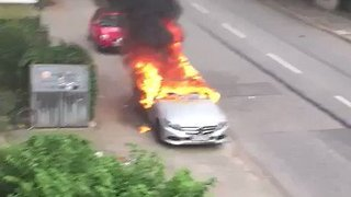Cars Set Alight During G20 Protests in Hamburg - Video