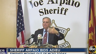 Sheriff Joe Arpaio's final day in office after 24 years with MCSO - Video