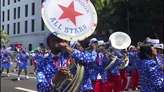 SOUTH AFRICA - Cape Town - Annual Street Parade or Tweede Nuwe Jaar Minstrels Carnival (with Video) (scz)