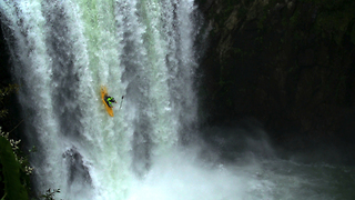 Pro Kayaker Takes On 18 Metre Waterfall In Mexico - Video