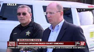 Press conference after sinkhole swallows 2 homes, continues to grow in Land O' Lakes neighborhood, nearby homes evacuated - Video
