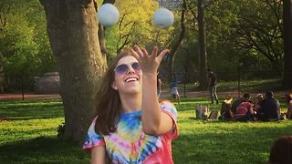 Juggling fun in Central Park - Video