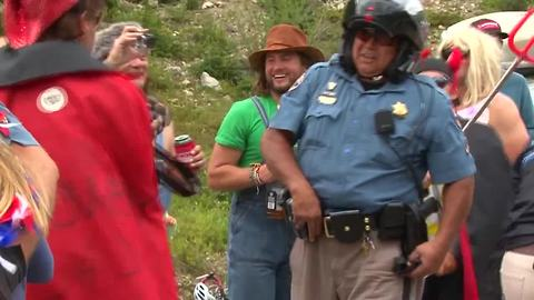 Colorado State Patrol Trooper lets loose in dance-off