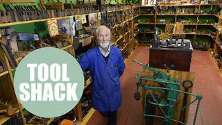 Former hardware shop owner stores collection of ancient tools from past two centuries - Video