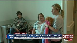 Hundreds of teachers pour into Tulsa - Video