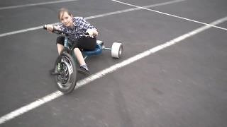Donuts and drifting on a souped up tricycle - Video