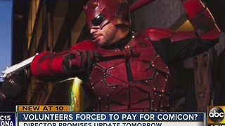 Volunteers charged to help out during Phoenix Comicon? - Video