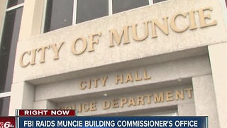 FBI removes documents during search of Building Commissioner's Office in Muncie - Video