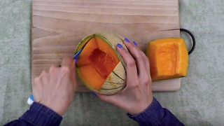 How to carve a melon into a hedgehog-shaped serving bowl - Video