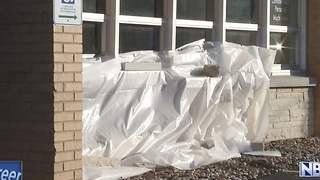 Car hits building in Green Bay. - Video