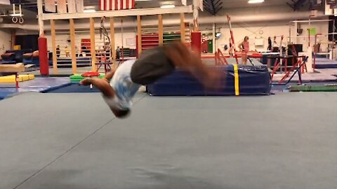 JAW-DROPPING GYMNAST COMPLETES 14 BACKFLIPS IN UNDER TEN SECONDS