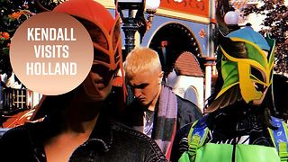 Kendall & the Hadids go incognito at Dutch theme park