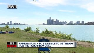 Thousands head to Belle Isle for annual Detroit fireworks show - Video