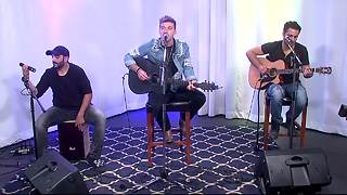 Morgan Wallen plays live in the studio then chats about his upcoming tour with The Florida Georgia Line - Video