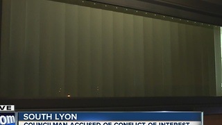 Window contract leads to conflict of interest allegations - Video
