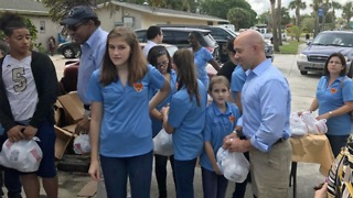 Holiday meals handed out in Fort Pierce - Video