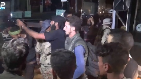 Rebel Convoy Arrives in Hama After Travelling North From Daraa Province