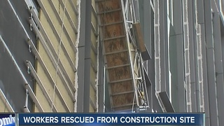 Construction workers rescued - Video