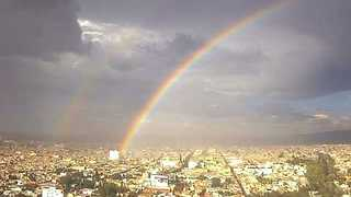 Stunning Double Rainbow in the Mexican Sky - Video