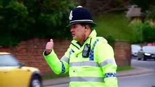 Policeman Directs Traffic With Flair During Cheltenham Festival - Video