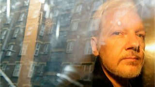 British official signs U.S. extradition order for Assange